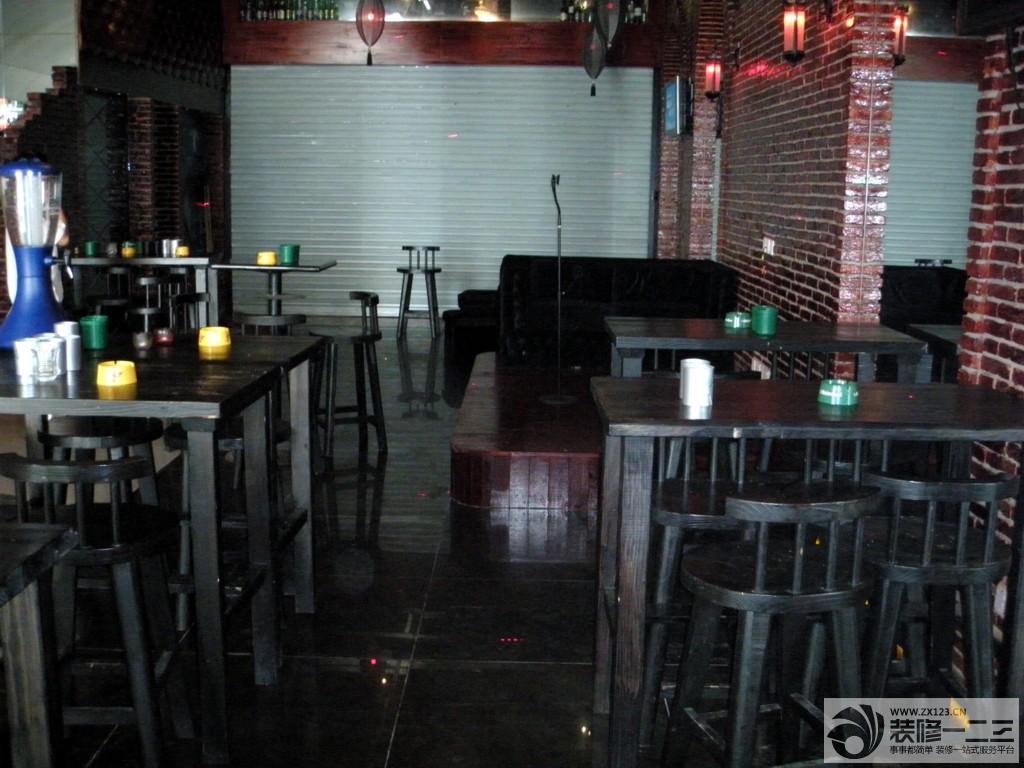 主题酒吧木质吧台设计图片_装修123效果图