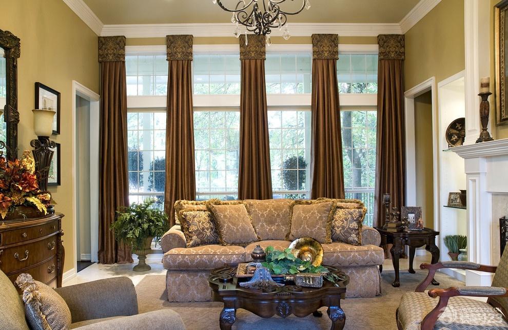 欧式设计风格别墅客厅窗帘装修效果图
