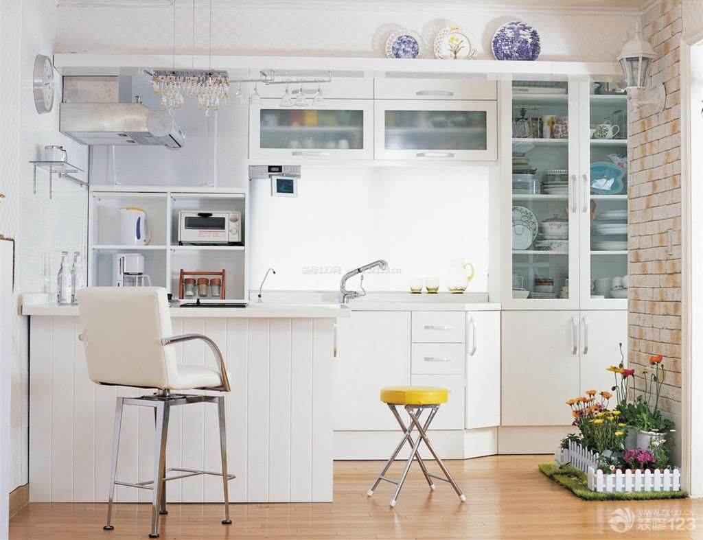 简约小清新家庭厨房吧台隔断装修