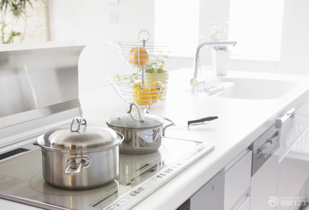 小清新厨房铝合金组合柜图片欣赏