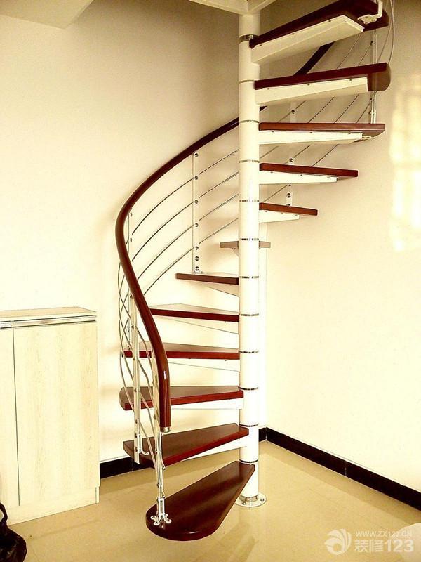 简约室内钢木楼梯装修图片欣赏