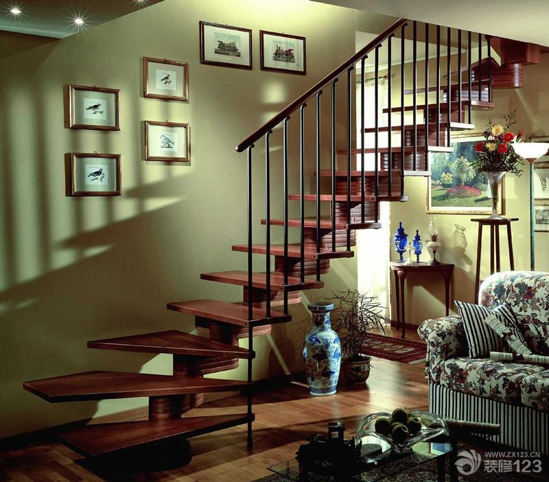 最新室内实木阁楼楼梯装修图片