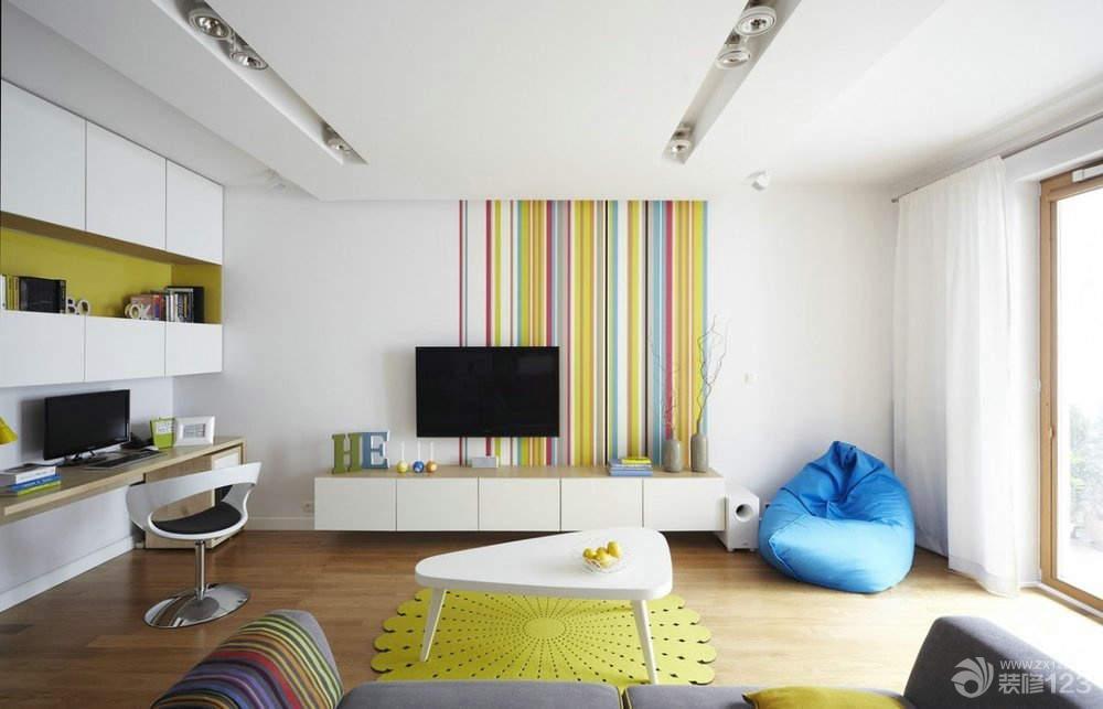 现代简约风格手绘电视背景墙效果图片