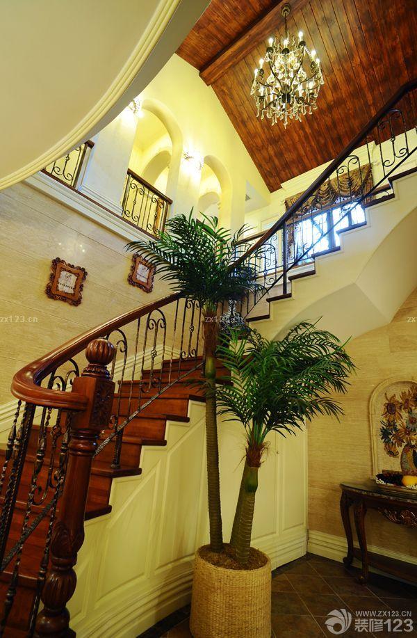 自建别墅室内旋转楼梯装修设计图片