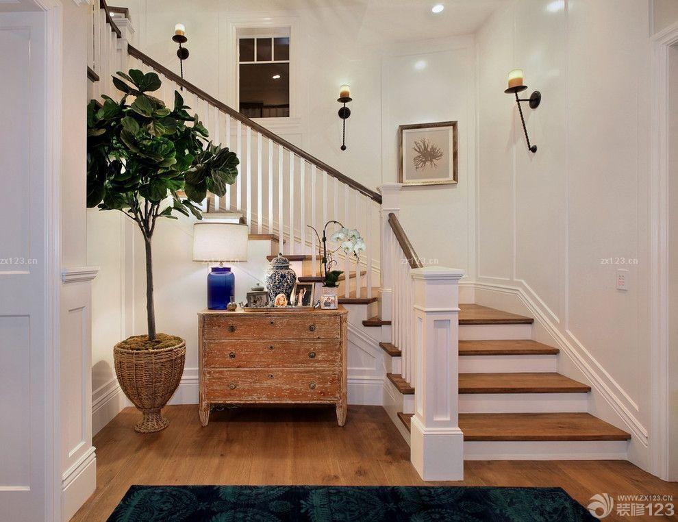 家装效果图 北欧 北欧风格木楼梯扶手设计实景图 提供者:   ←