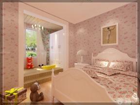 女生小房间装修图片 欧式床 小花壁纸图片