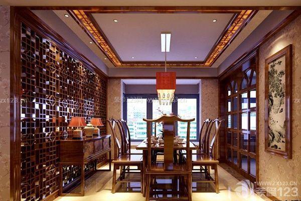 中式餐厅吊顶通常采用的是多根实木线条拼接而成的形状,线条比较的图片