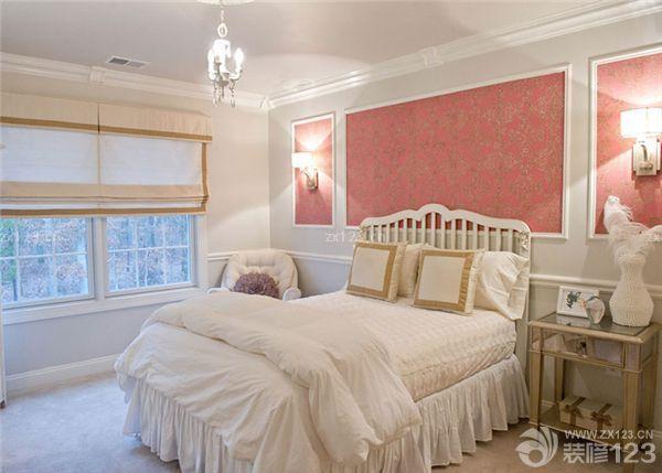 卧室床头背景墙壁纸装修 简单材料大精彩
