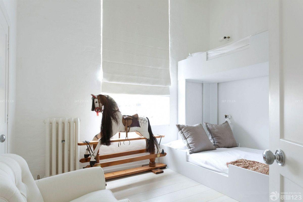 白色极简小户型阁楼设计图片