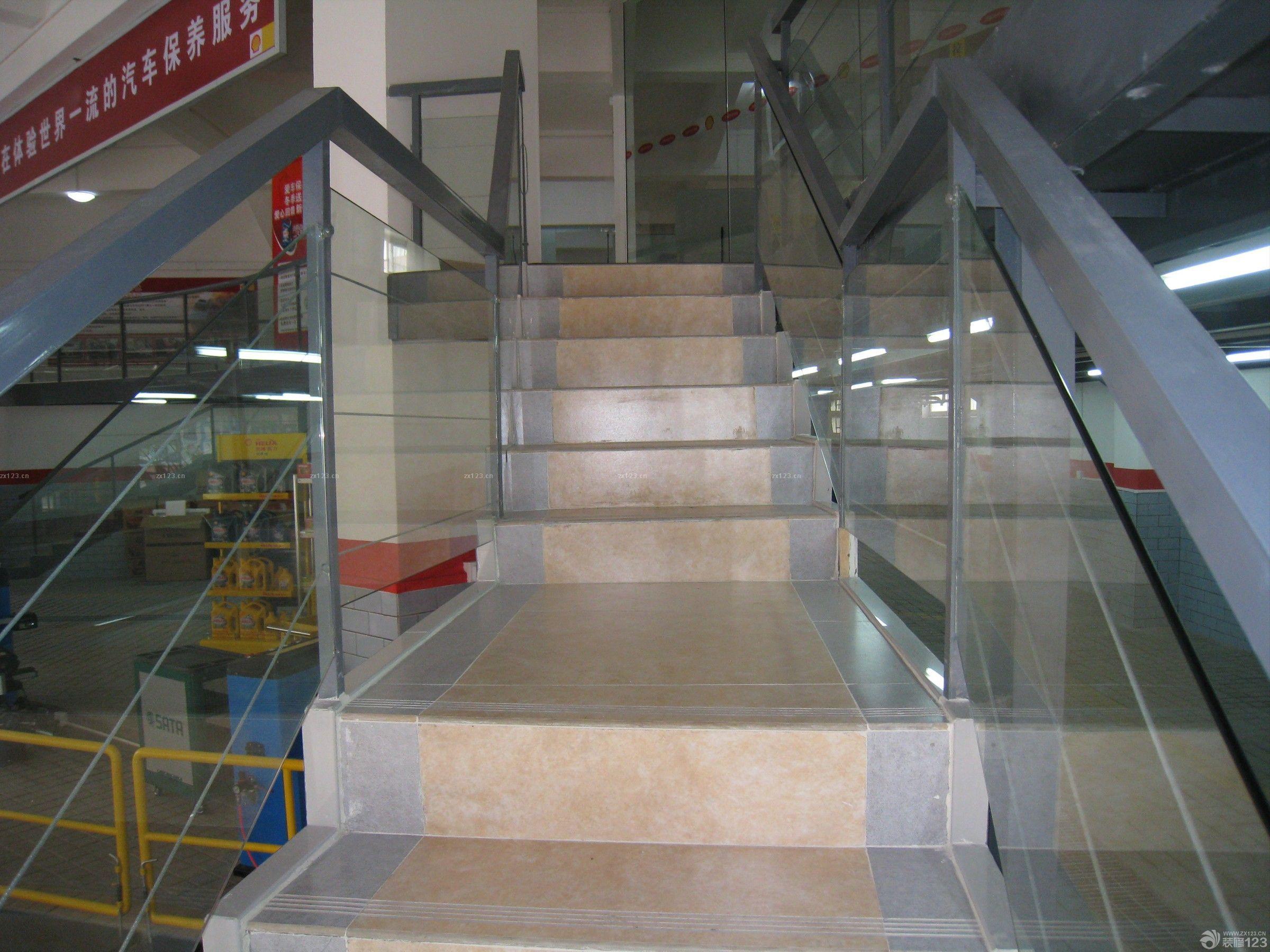 店面室内楼梯装修效果图