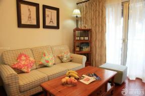 88平米 兩室兩廳一廚一衛 小客廳 裝飾畫 置物架