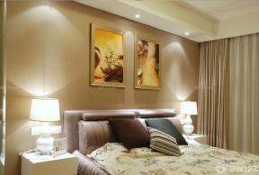 床頭背景墻 布藝窗簾 床頭柜
