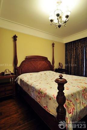 臥室設計 褐色窗簾 藝術燈具
