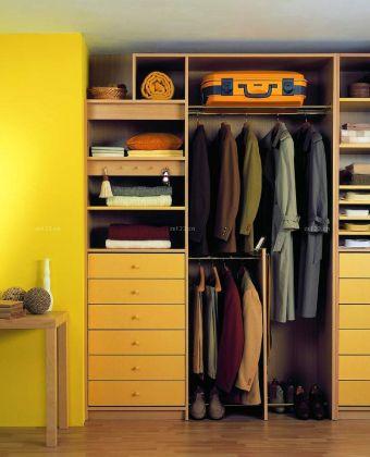 简约风格组合衣柜效果图