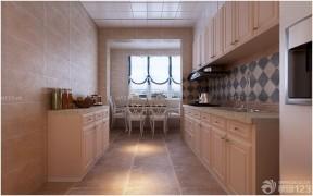 廚房餐廳一體  三室一廳