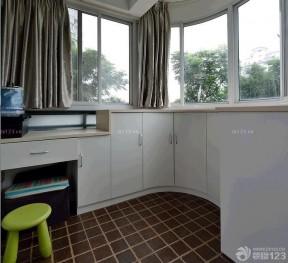 小户型内阳台装饰 储物柜