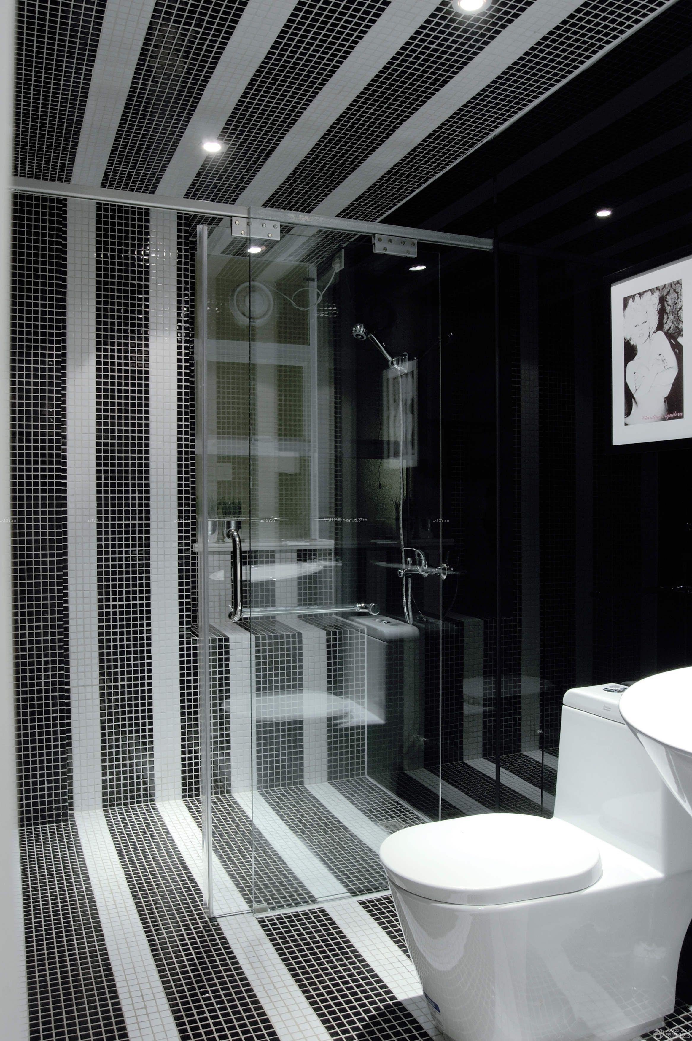 家庭浴室马赛克墙面设计图