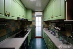小戶型陽臺改廚房 綠色櫥柜