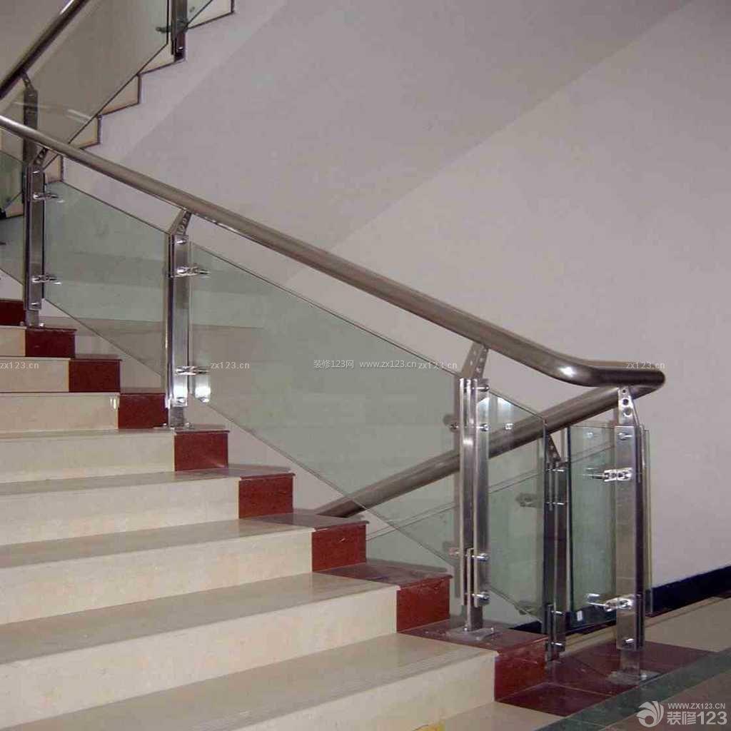 不锈钢楼梯立柱 简约风格