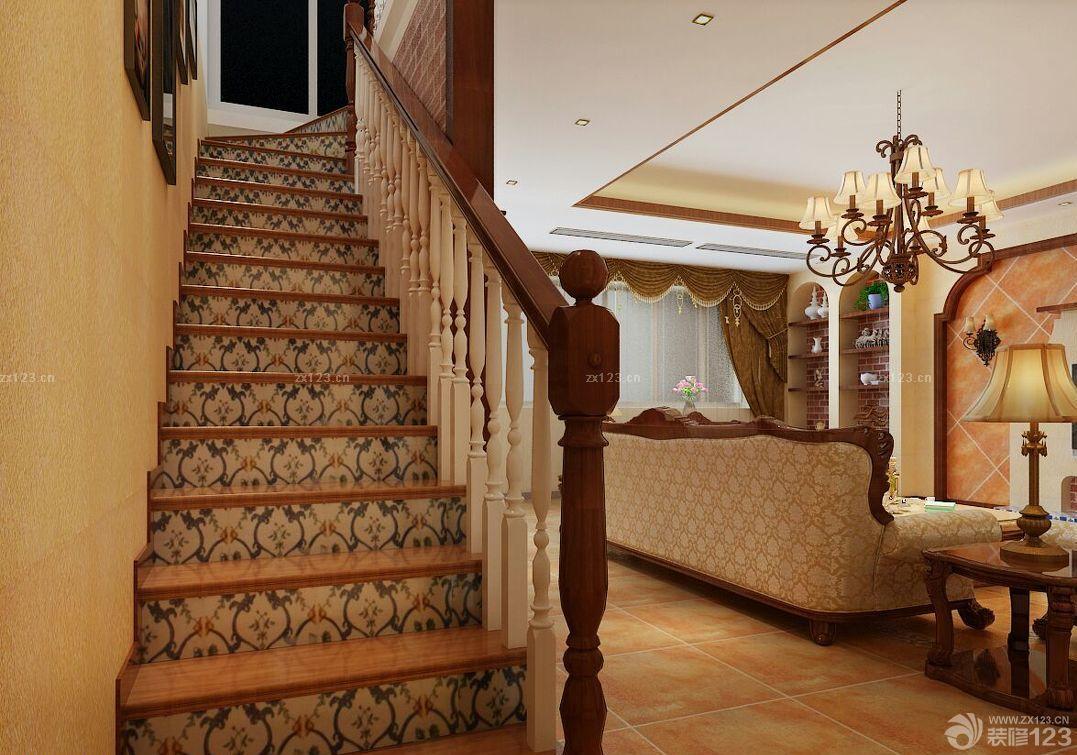 美式风格楼中楼楼梯装修实景图