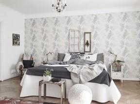 家庭卧室装修 压纹壁纸