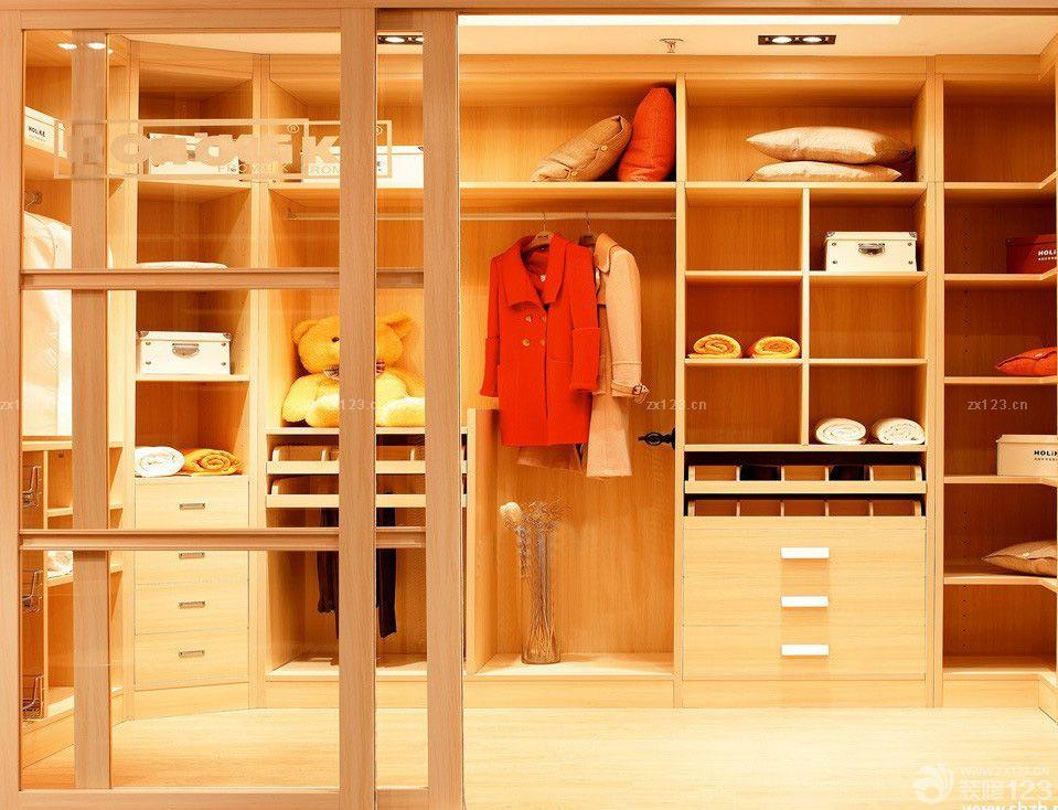 u型衣帽间衣柜内部合理设计图展示