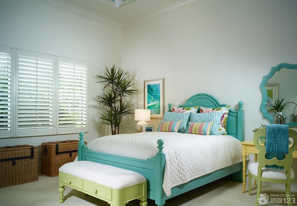 小清新卧室房间摆设设计图片