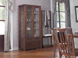 室內客廳橡木家具擺放圖片