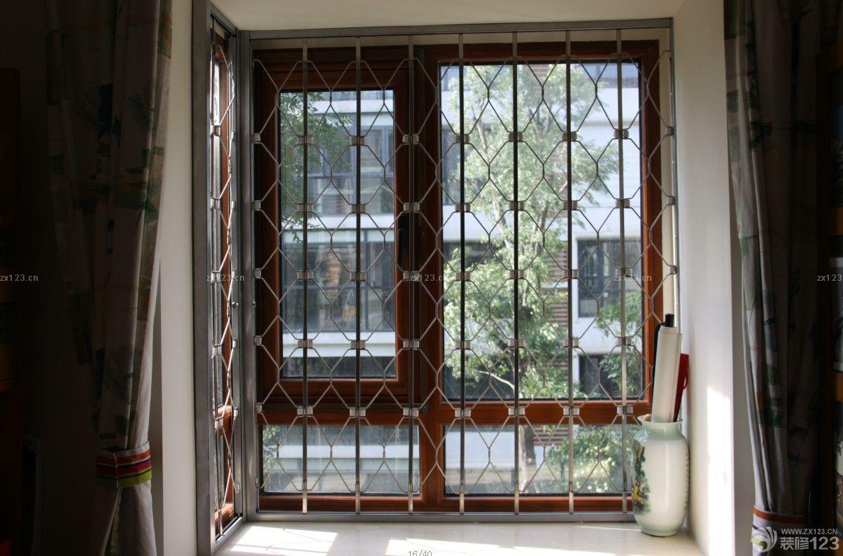 生活阳台不锈钢门窗设计效果图