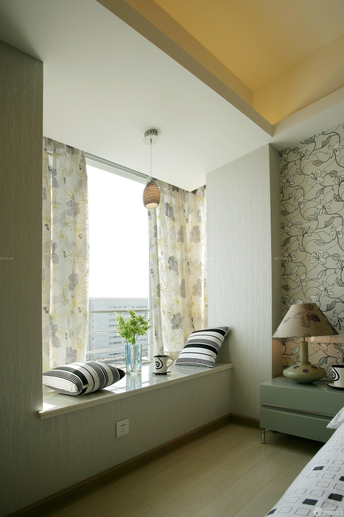 小户型卧室飘窗利用图片