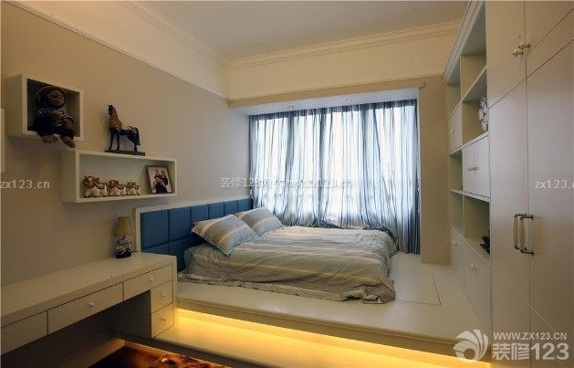 男生卧室榻榻米床设计图