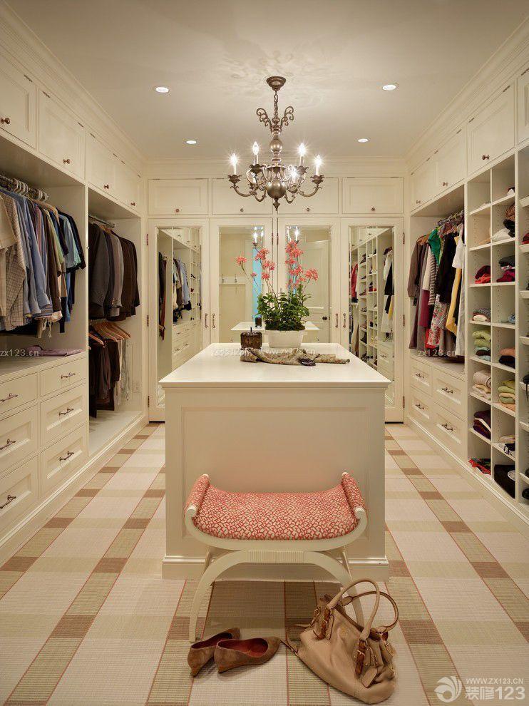 现代风格60平米小户型跃式衣帽间装修设计欣赏