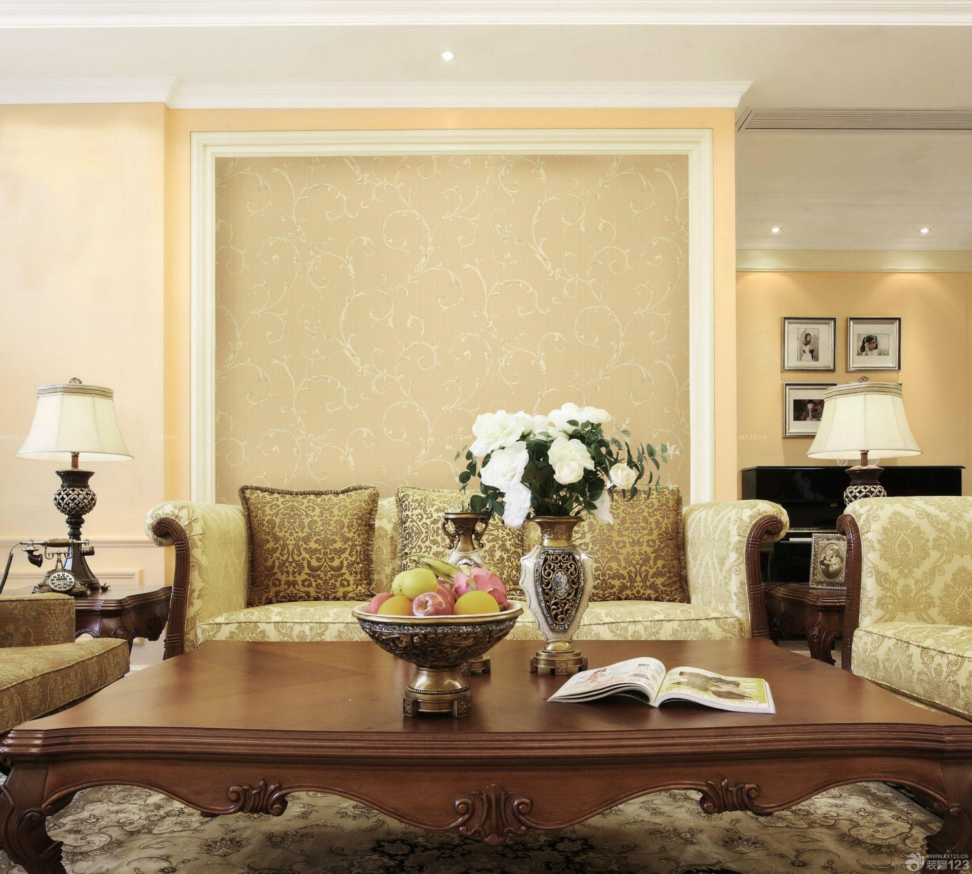 欧式风格家装客厅墙纸效果图