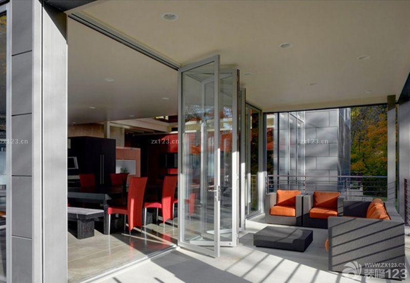 封闭式阳台玻璃折叠门效果图
