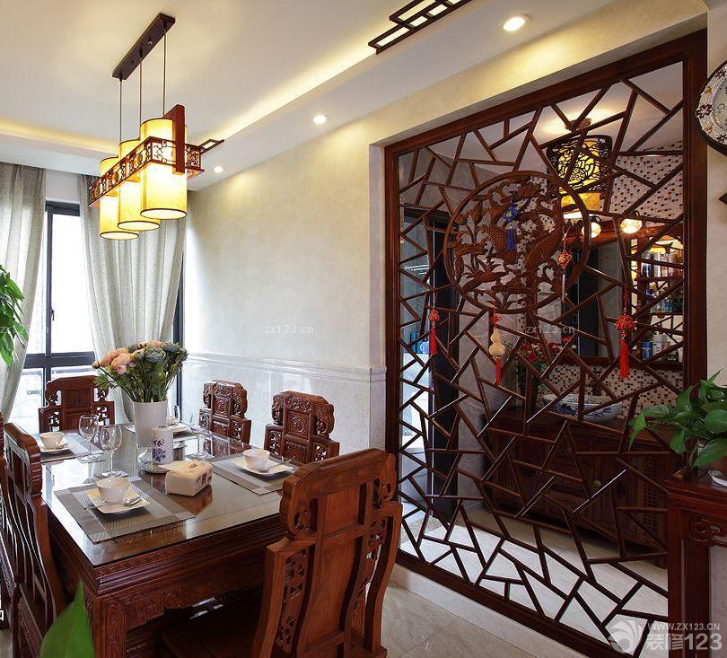中式雕花板隔断设计图片