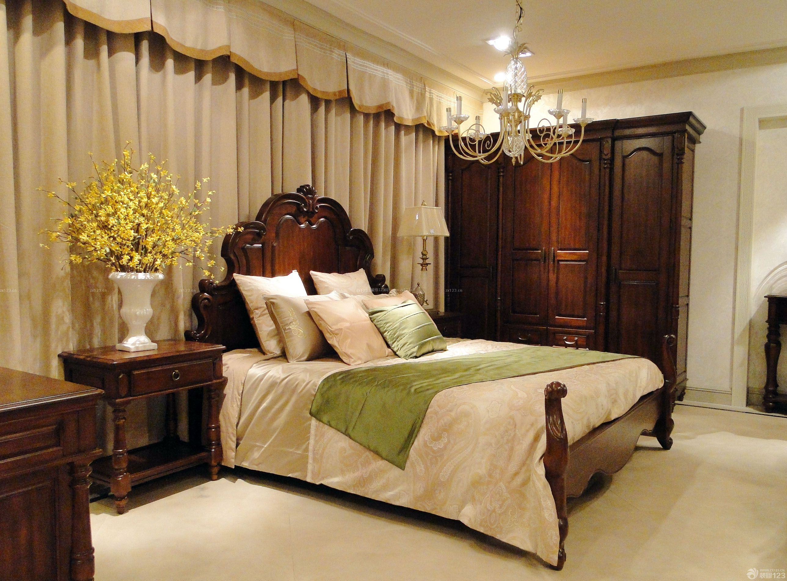 美式风格卧室实木床效果图