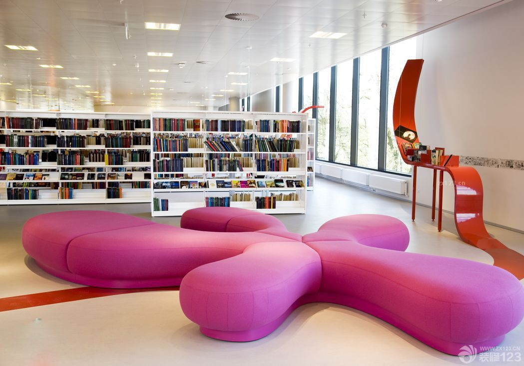 少儿图书馆书架分享展示