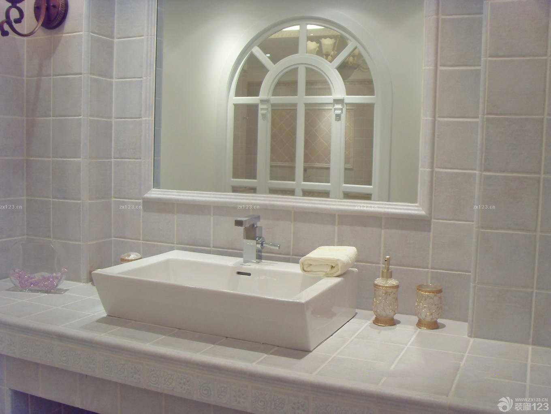 美式卫生间大理石地板砖装修图