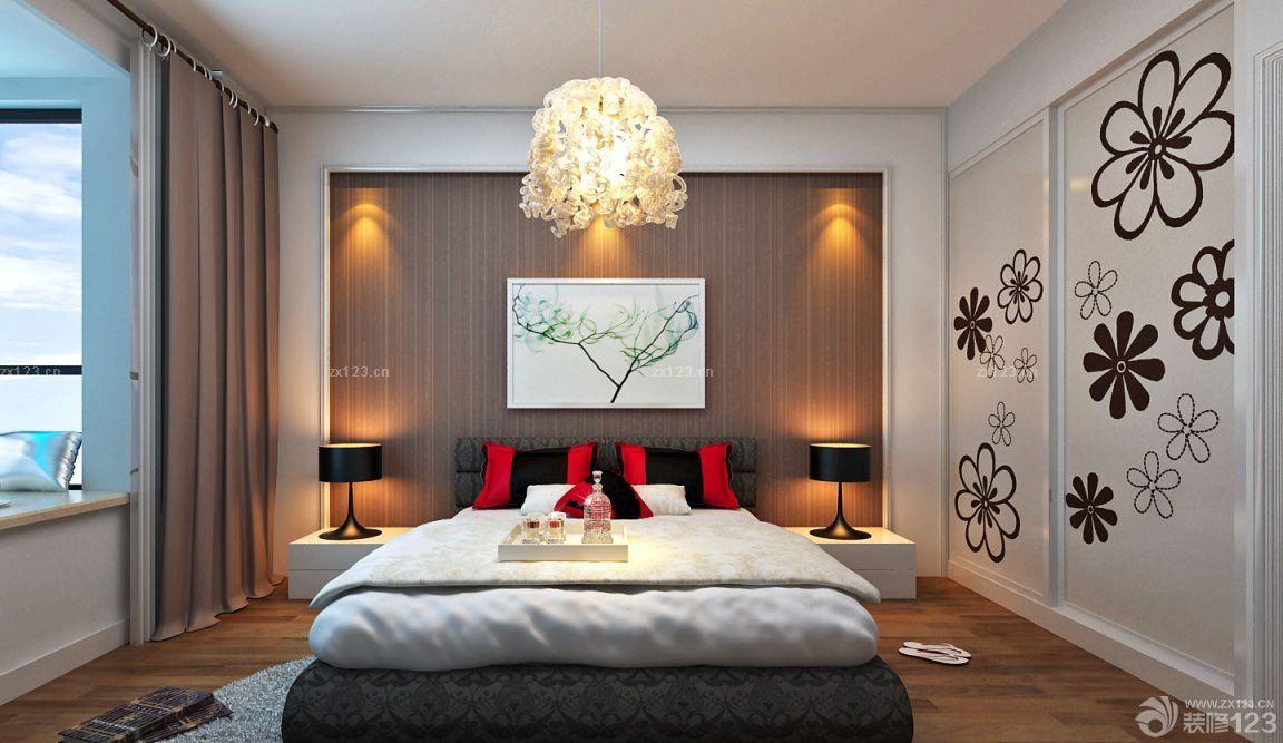 2015主卧室衣柜门设计图片