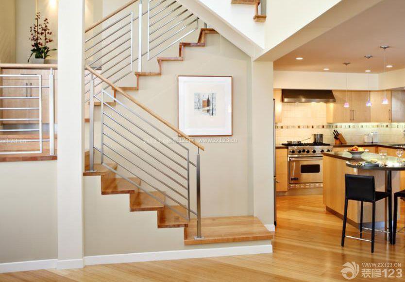 两层别墅室内不锈钢楼梯栏杆设计图片大全