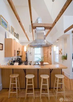 一室一廳一廚一衛 木質吧臺