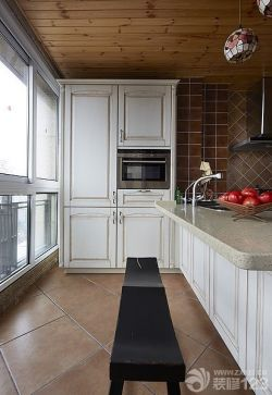 廚房白色整體櫥柜設計圖片
