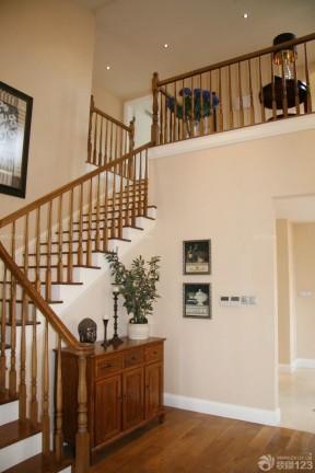 美式乡村风格样板房室内楼梯装修效果图