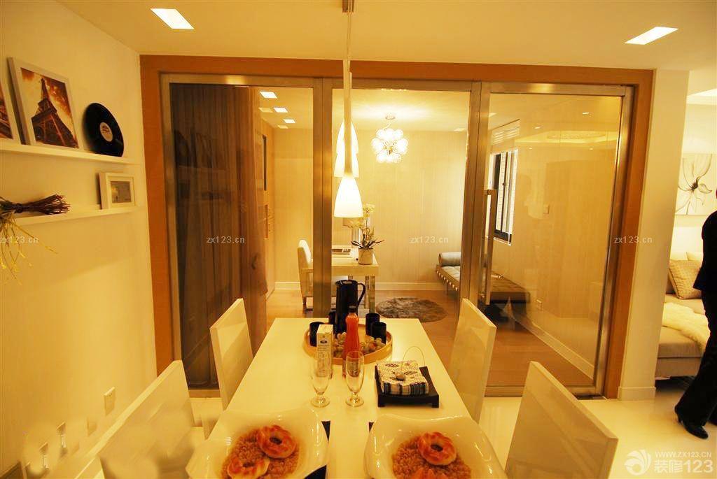 最新日式家居黄色门框装修图片2015