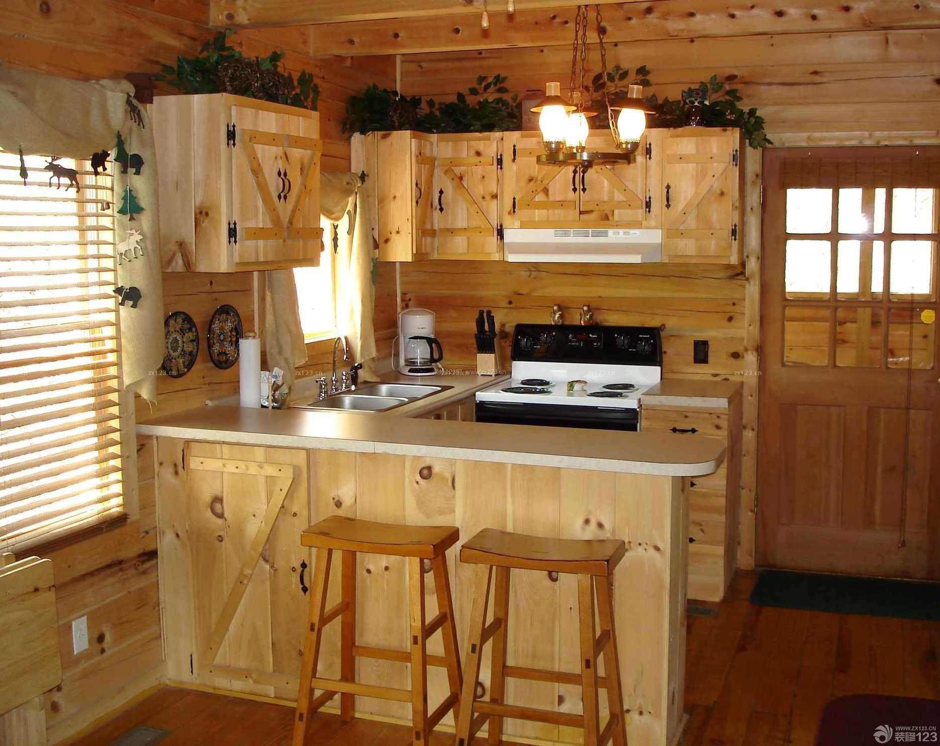 最新乡村别墅厨房橱柜带吧台装修图片大全