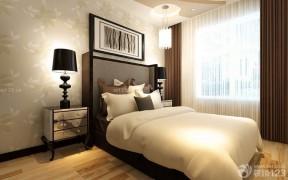 10平米臥室 咖啡色窗簾