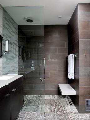 3万元80平米两房装修 卫生间玻璃隔断墙图片