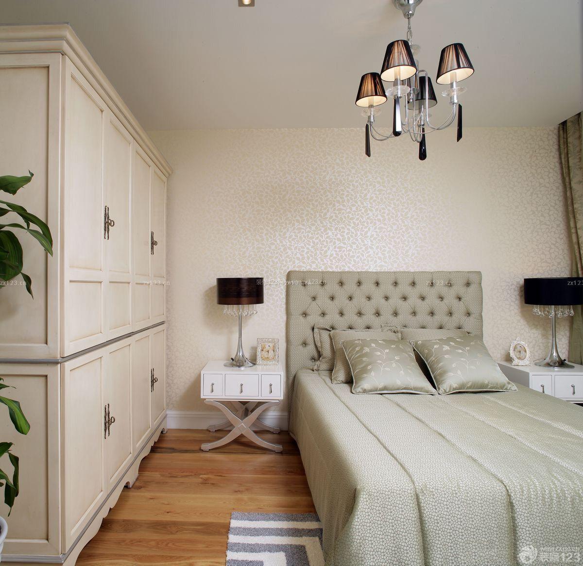 80平米小户型卧室衣柜设计装修效果图图片