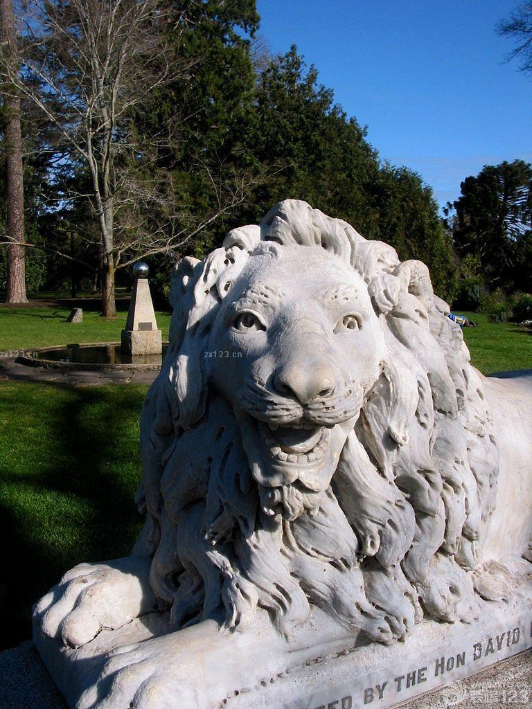 威武石狮子雕刻侧面图片欣赏