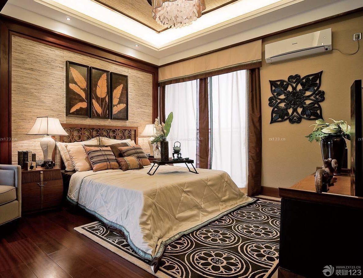 最新90方房子卧室床头装饰画装修效果图